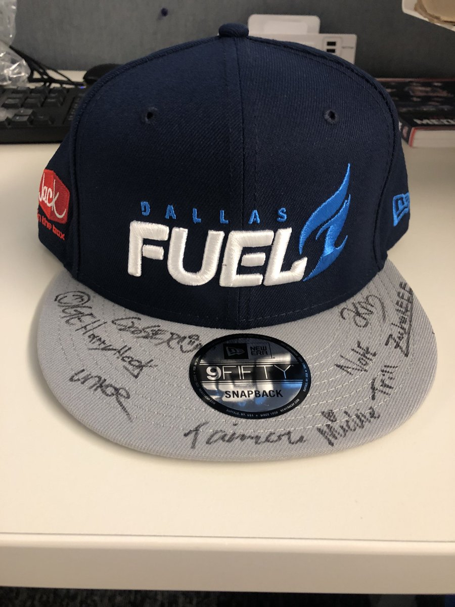 🚨🚨GIVEAWAY 🚨🚨 Lets officially end the @overwatchleague season on a high note!! Enter to win this special @DallasFuel signed hat by following @dmn_fuel, retweeting this tweet and tagging a friend ⬇️ #BurnBlue
