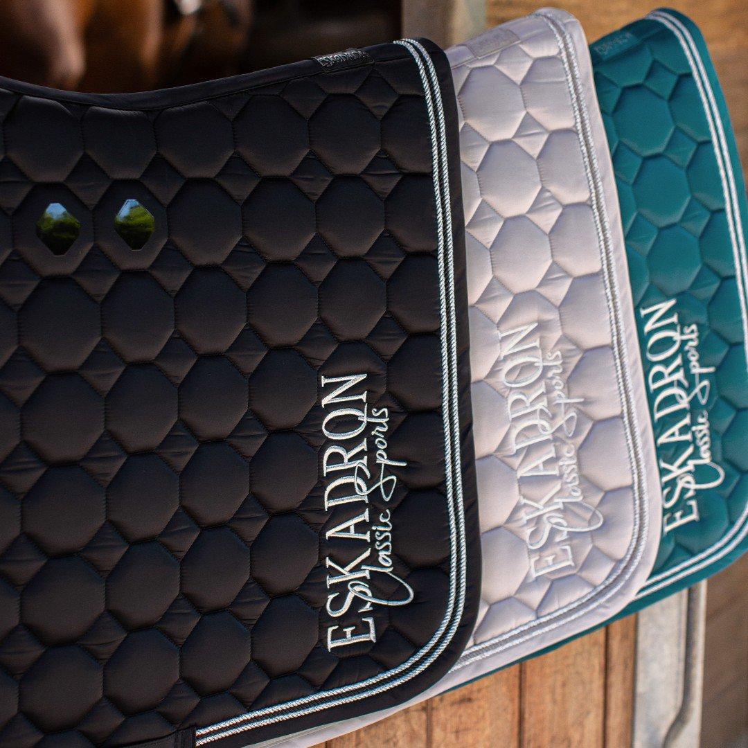 De nieuwste Eskadron Classic sports collectie is binnen!!!  Kom je snel een kijkje nemen?  #vanrijs #eskadron #horse #horses #dressuur #dressage #springen #jumping #equinestyle #equine #horsesofinstagrampic.twitter.com/dZ4HJK6q2s