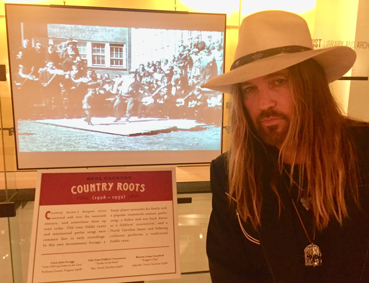 After being at the @countrymusichof last night, I have never been more proud to be known as #TooCountry