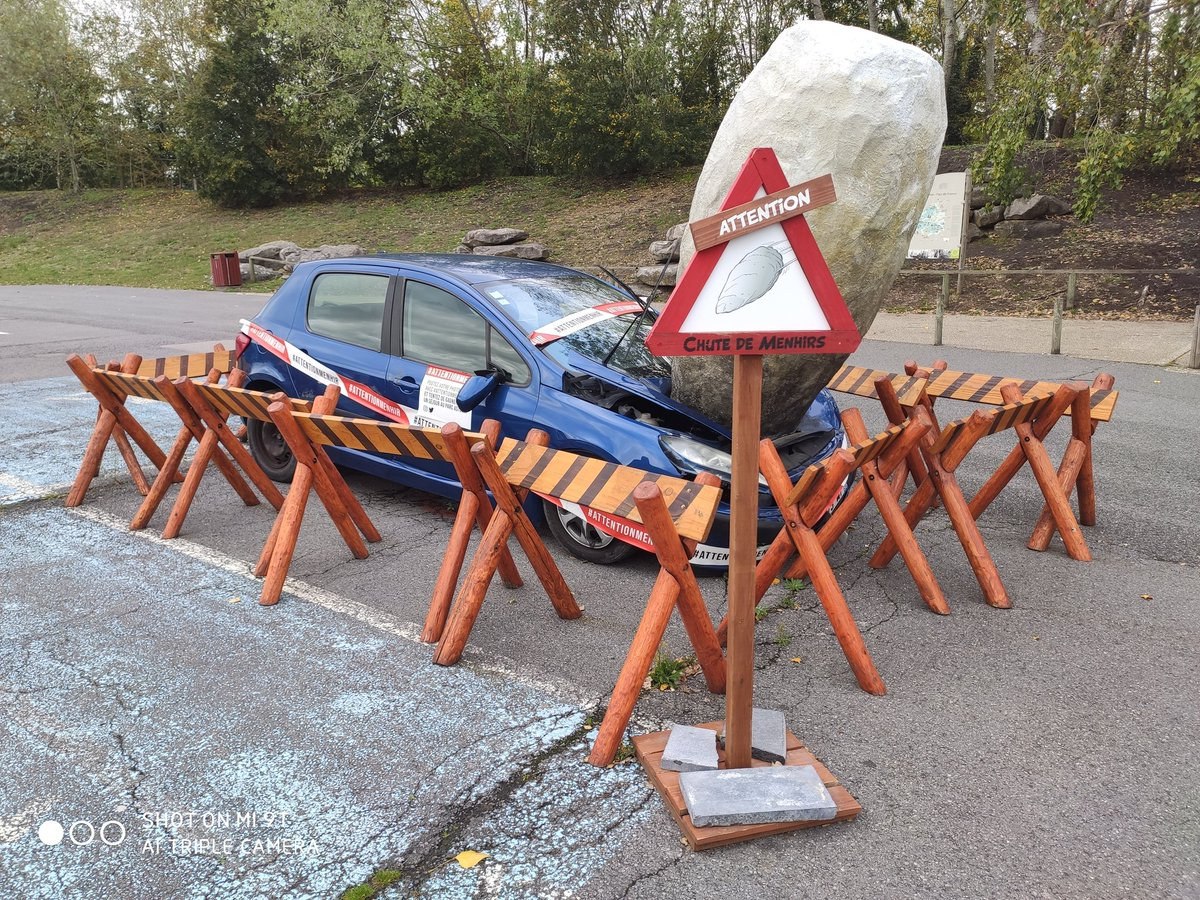 Socoman l'accident @Conzdant  #attentionmenhir #constant https://t.co/YRoFpOWU7A