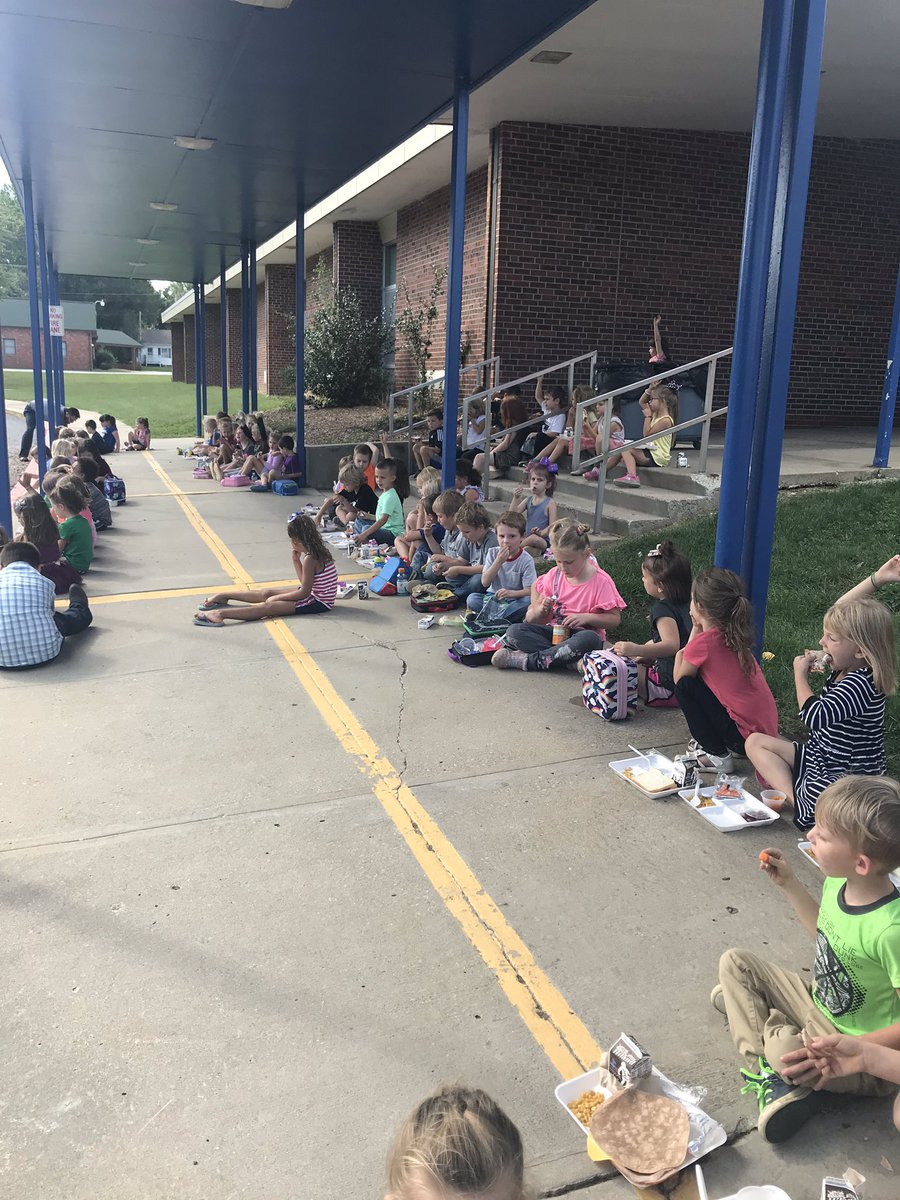 Kindergarten PBS goal party this month was Picnic With The Principals! Great job!! https://t.co/L5JYit8KBH