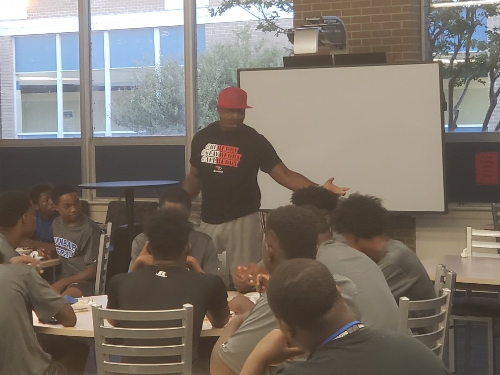 Thanks to Tedrick Thurmond for speaking to the boys at our 6AM workout and breakfast. Giving Back!!!!!!