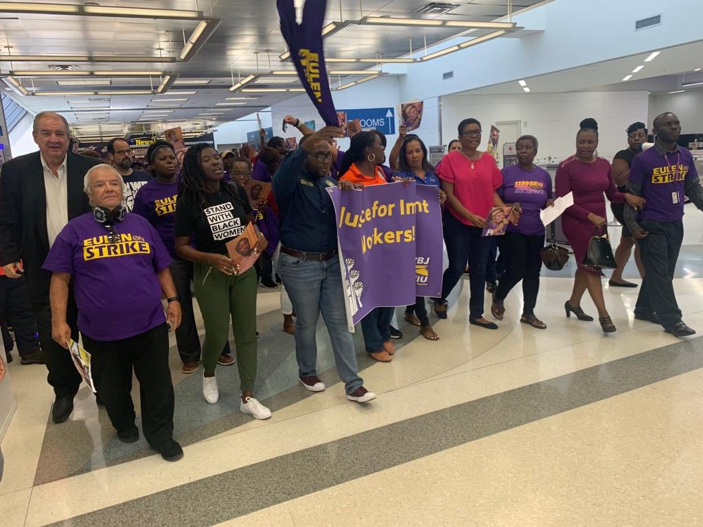 At the Fort Lauderdale Airport today with SEIU standing with the Airport workers for fair living wages, better working conditions and fair treatment.  #SEIU