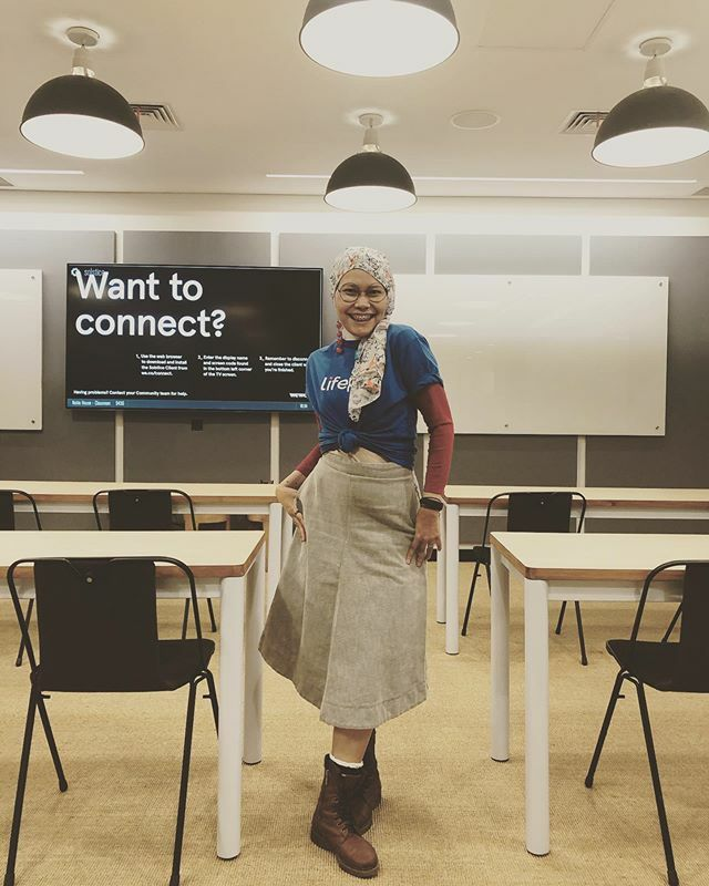 When the townhall meeting not starting yet, let's take a portrait . . Scarf by @kamalikaartprints  Boots found at @carousell.id . . #yourlifepal #clozetteid #OOTD #HOTD #beinglifepal #officeoutfit #fashionable #fashionaddict #fashionate #fashionableme #f… https://ift.tt/2nnlHzopic.twitter.com/D4YwDv0Se0