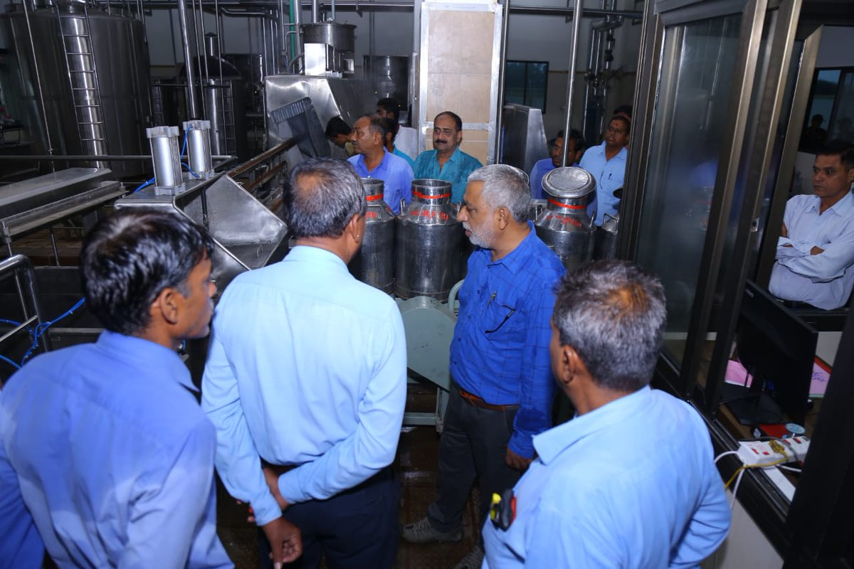 #Panchamrut Dairy, Godhra( #Amul group) at Tadva, Panchmahal visit. Md S L Pathak, Gm Yousuf PATHAN, U B Joshi.