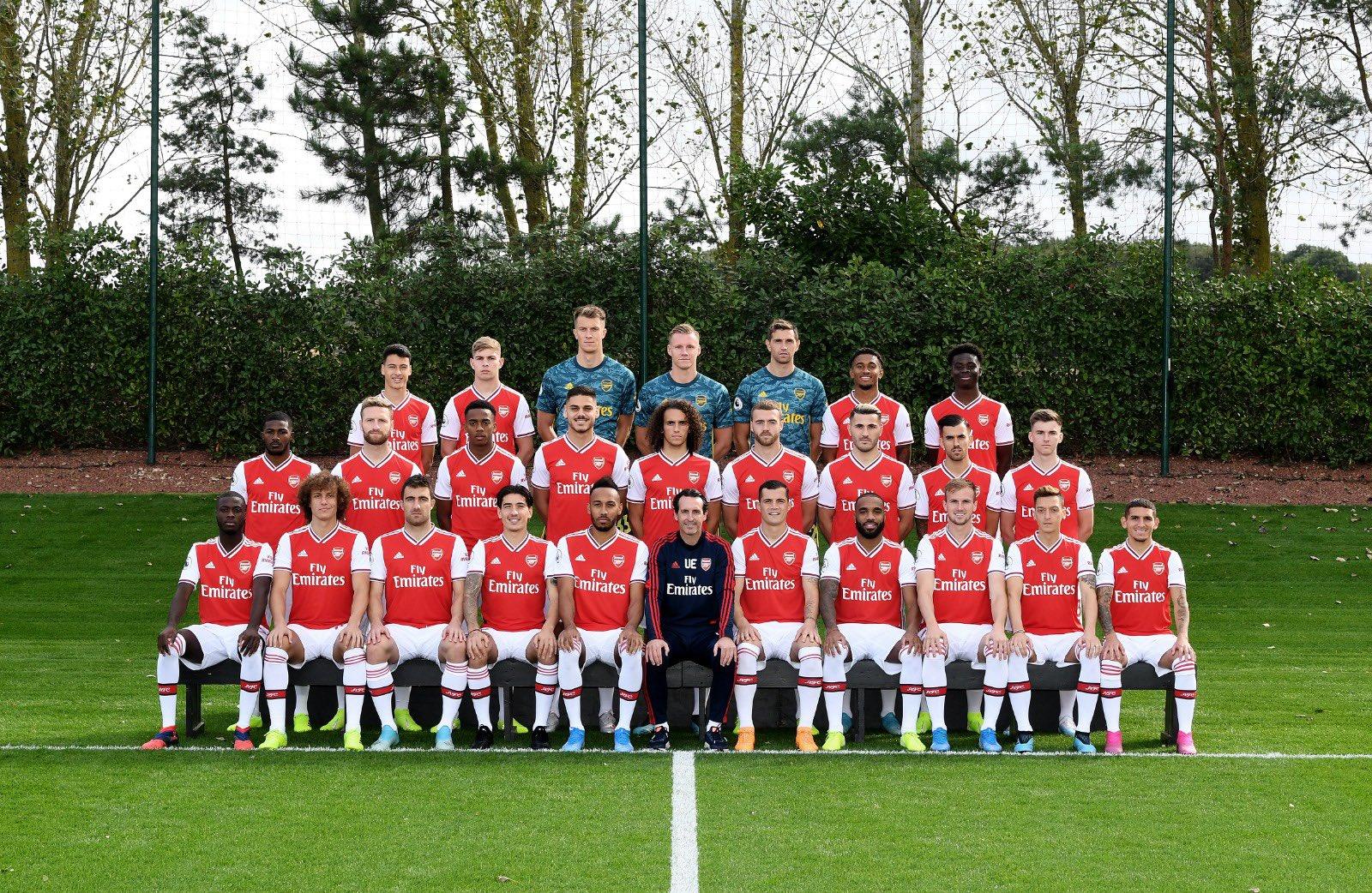 Hilo del Arsenal EFivBFXXUAALUtr?format=jpg&name=large