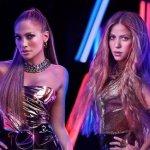 Image for the Tweet beginning: Shakira y Jennifer Lopez actuarán