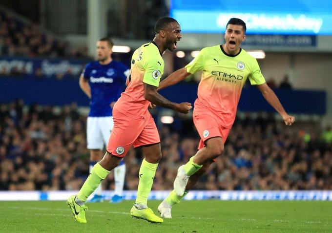 #PremierLeague | Manchester City derrotó 3-1 a Everton y mantiene el pulso con Liverpool