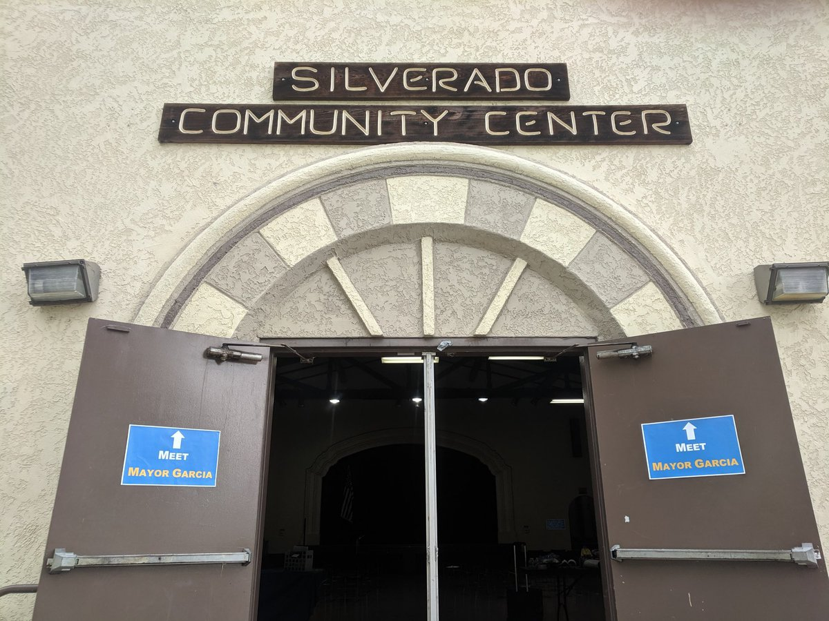 We're hosting today's second #MeetTheMayor at the Silverado Community Center! 👨👩👧👧👨👧👦 Be sure to come and hear about what we're doing in Long Beach and your area: West 31st Street, Long Beach, CA