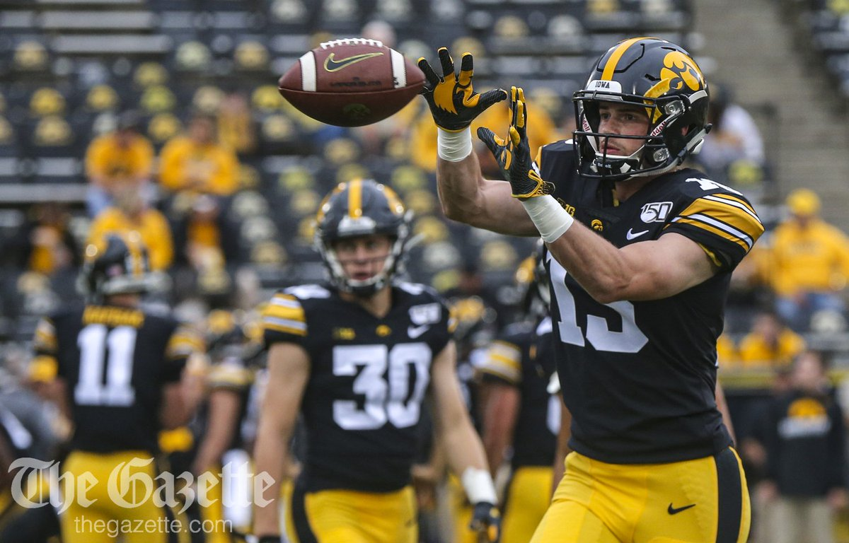 Just a few minutes until kickoff here at Kinnick Stadium. See pregame photos here: thegazette.com/subject/sports… @CRGazetteSports