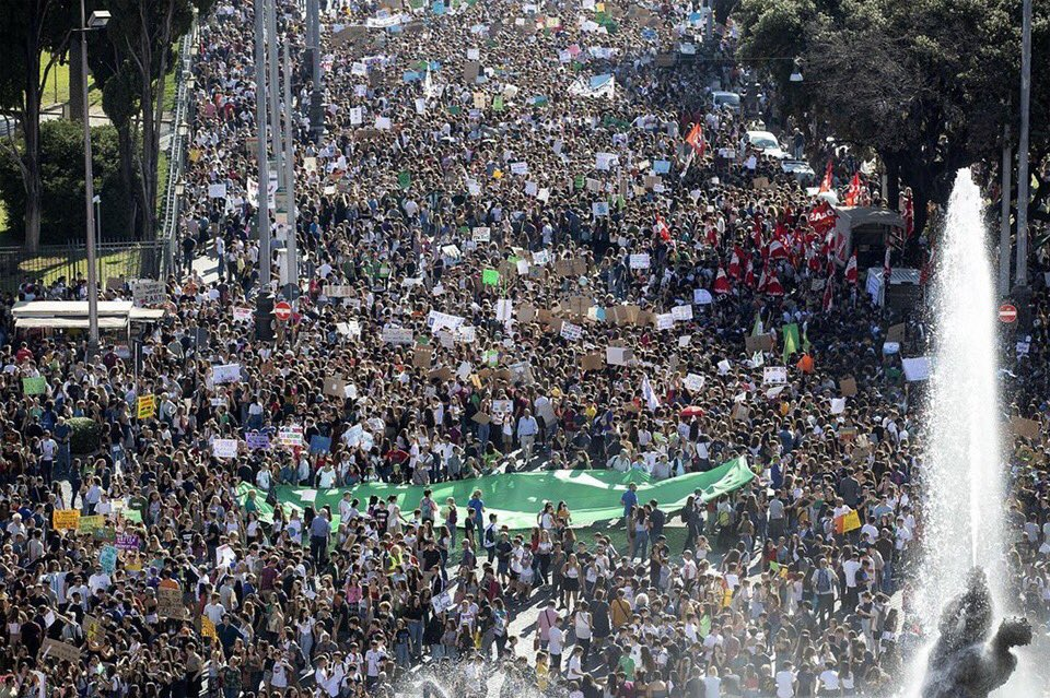 Early numbers confirm at least 7 million people joined the #weekforfuture climate strikes! Thank you everyone, especially the local organisers! The #weekforfuture is one of the biggest global demonstrations in history. This is just the beginning! #climatestrike #fridaysforfuture