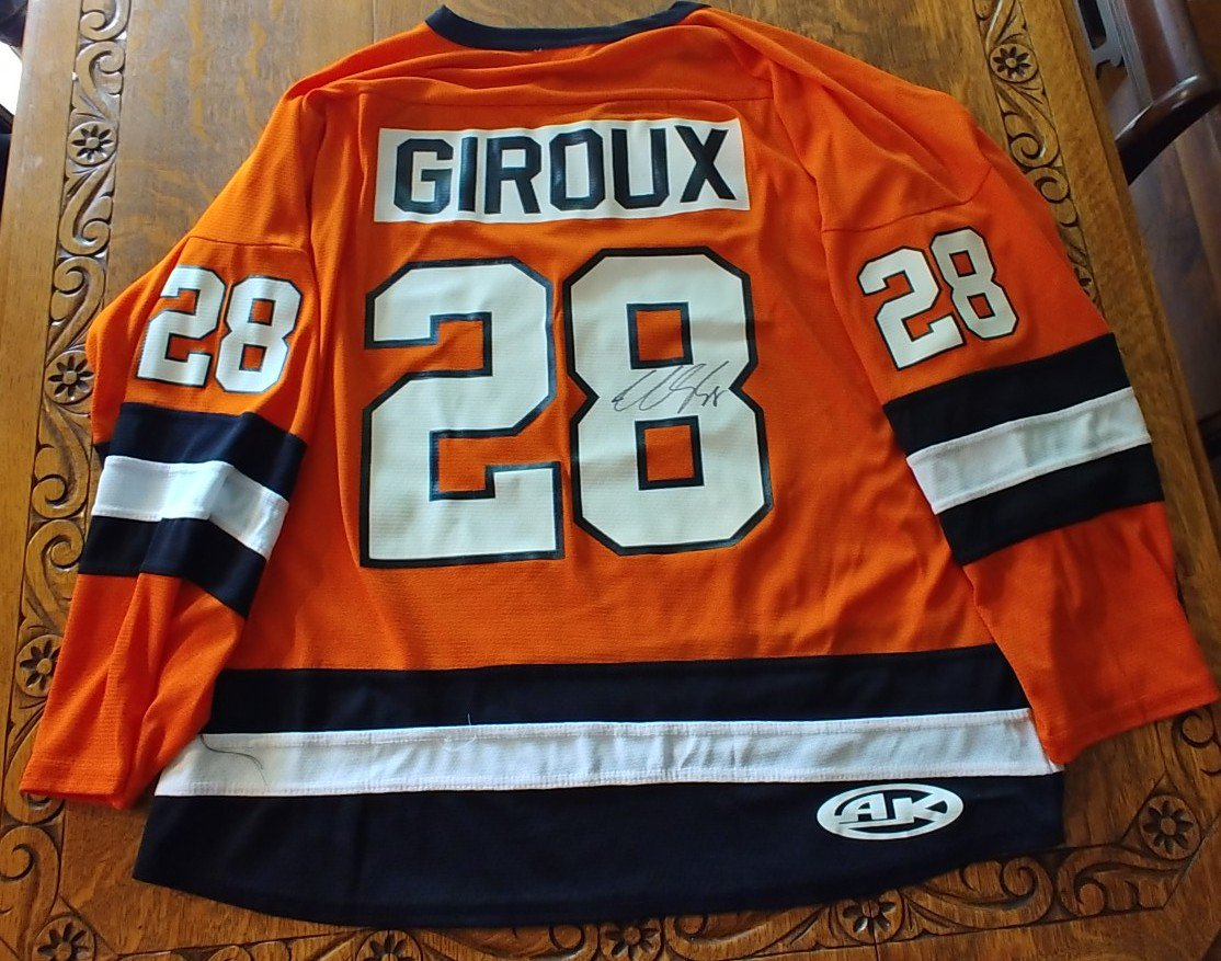 Incredible gift! My cousin Steve McLean @SteveMcLean888 is the go to guy for all things CHL and he aquired this at the retirement game. He knows what a huge Giroux and Flyers fan I am so he gave me this autographed Gatineau Olympics Retired Giroux jersey. #LetsGoFlyers #Giroux