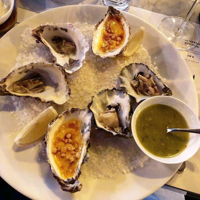 Austernvariation  #instafood #food #foodstagram #foodlove #oysters #oyster #igersmunich #munichrestaurants #munich #brasseriecolette #brasseriecolettemünchenpic.twitter.com/HApw8puNdY