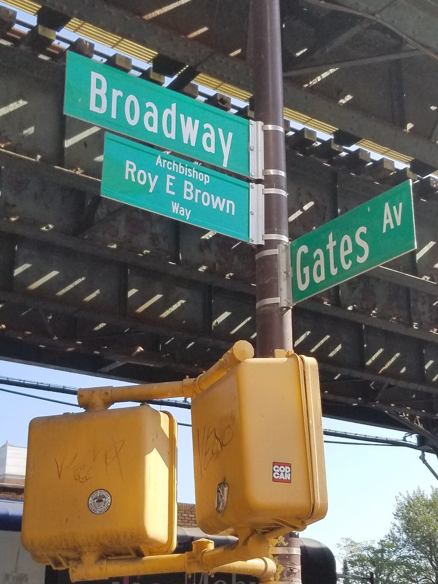 81st pct. Community Affairs and Auxiliary Officers working along side @AlickaASamuel41 with the street renaming of Broadway to Archbishop Roy E. Brown way.