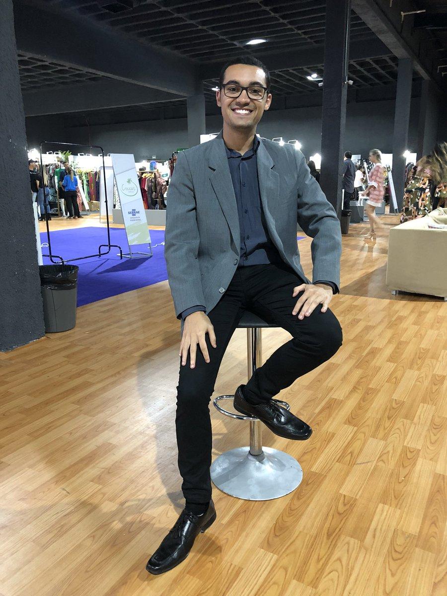 Terminou o Vitoria Moda 2019. Ano que vem eu serei o modelo! Melhor não... #eunovm #vitóriamoda  pic.twitter.com/3SgaV3Umhw – at Ilha Buffet Álvares