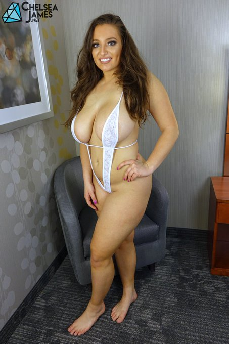 2 pic. hi guys i have some new photos on https://t.co/DYCvPJQfyK. what do you think of this outfit? https://t