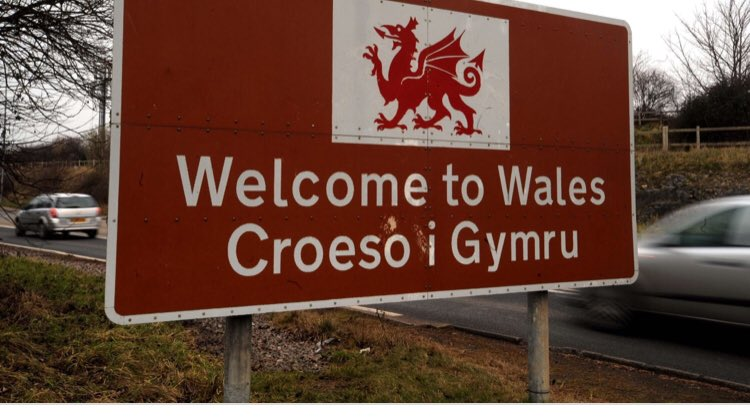 Something nice about driving home and seeing this today. Thank you @WalesRugbyUnion. 🏉👍