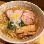 京都に行ったらこれを食べるべき!?「山崎麺二郎」の塩ラーメンが美味しそう!