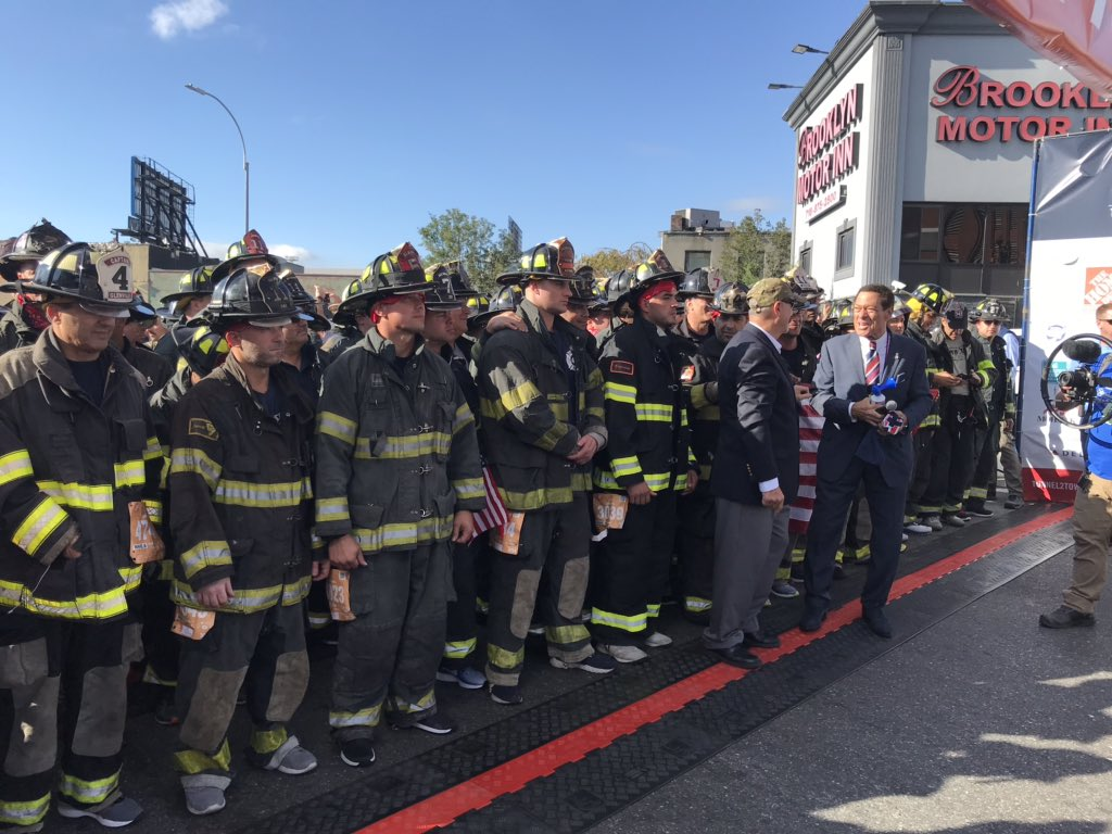 ... and they're off! Wave 1 of the #T2TRUN is underway, which includes Firefighters ceremoniously running Stephen Siller's route in full gear, just like he did on #Sept11. #Tunnel2Towers #T2TRUN2019<br>http://pic.twitter.com/KYspD5bRwl