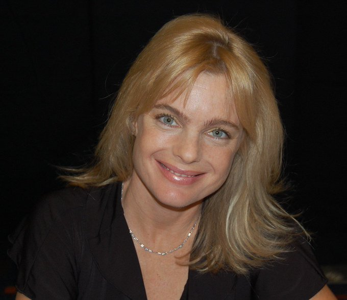 Happy Birthday to Erika Eleniak who turns 50 today!