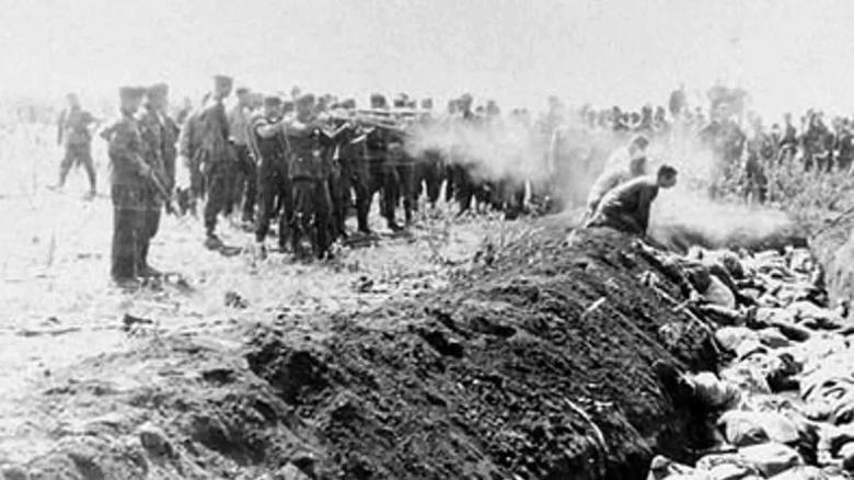 Heute (vor 78 Jahren) fand das größte einzelne Massaker an Juden, begangen von der Wehrmacht und ukrainischen Kollaborateuren, in Kiev statt. Ihm fielen mehr als 33.000 Männer, Frauen und Kinder zum Opfer. Nie vergessen, nie vergeben #OnThisDay