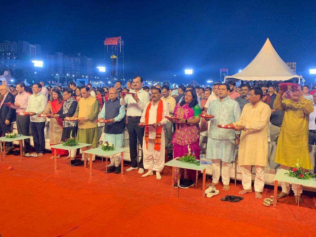 Vibrant Navratri 2019 kicks off at GMDC ground in Ahmedabad
