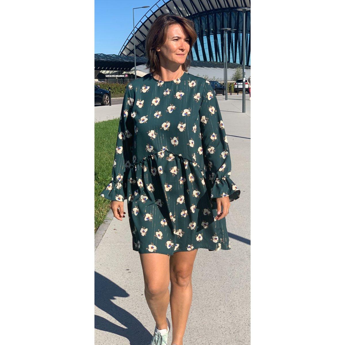 Nouvelle robe 👗 Talia verte fleurie ornée de fils dorés disponible dès ce soir sur le site  👀http://www.unepouleparisienne.com #unepouleparisienne #fashion #fabriqueenfrance #madeinFrance