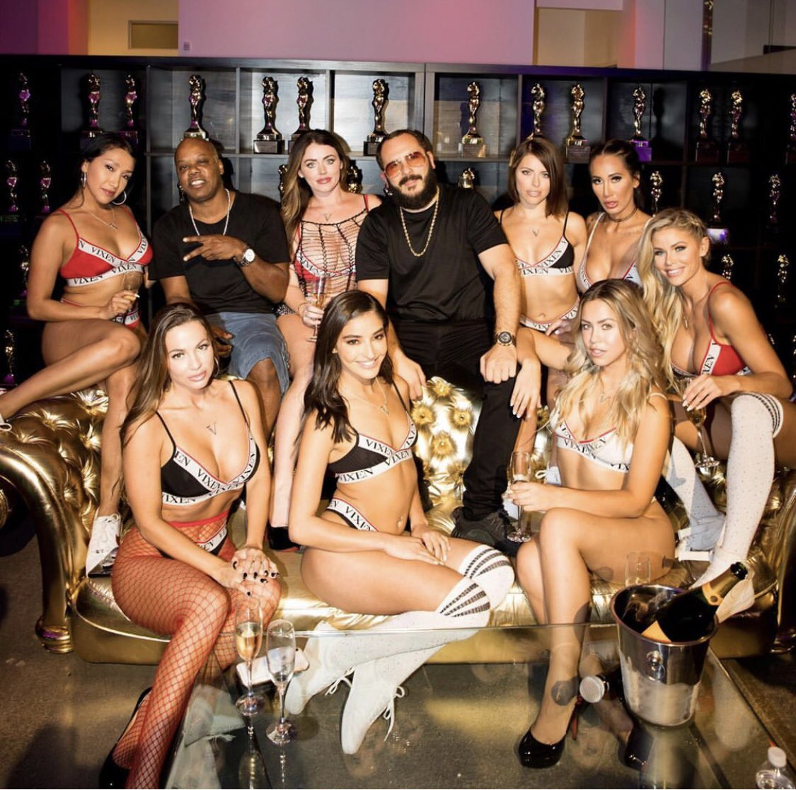 Love this beautiful group of people- congrats to miss @emilywillisxoxo for joining the @VIXEN Angel family!! ❤️😍🎉 @GregLansky