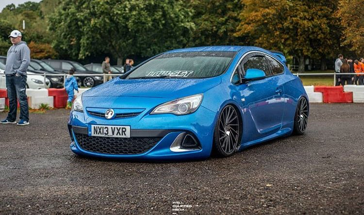 "ZX1 in Gloss Black Polished Face  Available in 18, 19 & 20""  (Most 5 stud fitments) Credit: @connor_whitford  #1av #vauxhall #cars #alloys #alloywheels #wheels #luxury #directionalwheels #modifiedcars https://t.co/bbTi7y6a7t"