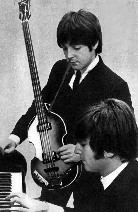 ♪ 👤👤🎹 🎸 #JohnLennon #PaulMcCartney #Beatles