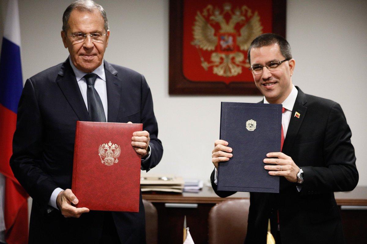 Lavrov - ¿Que harias si fueras presidente? - Página 16 EFuBqZ7WkAEUTN9