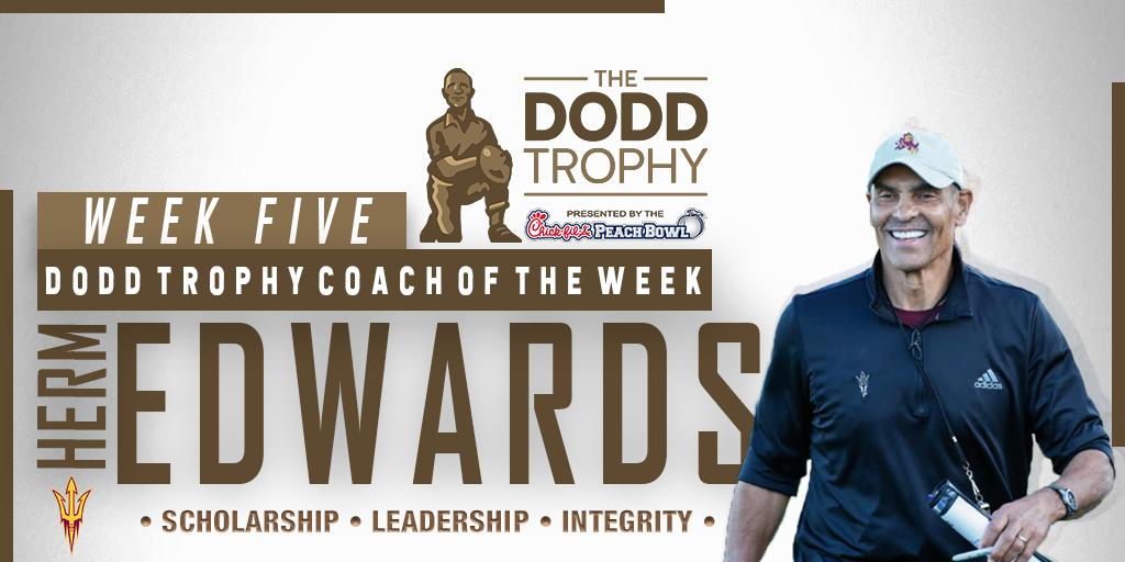 Congratulations are in order again for @HermEdwards! Edwards has been selected as the Dodd Trophy Coach of the Week after leading @ASUFootball to another huge win over a top-25 team this season...this time, over his alma mater No. 15 Cal. #ForksUp 🔱 📰 bit.ly/2mnA3zB