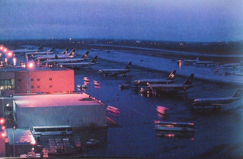 O Xrhsths صور قديمة لزمن جميل Sto Twitter مطار الرياض القديم عام 1402هـ 1982م صور قديمة لزمن جميل