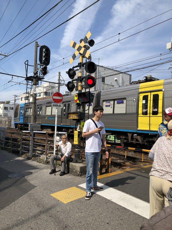 京成立石駅で視覚障害の女性と電車が接触した人身事故現場の画像