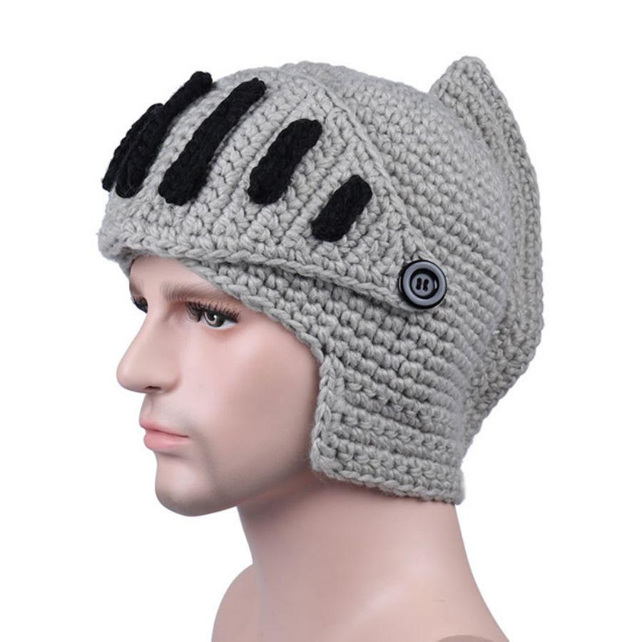 アーマーナイトの兜を模したニット帽を見つけた結果?欲しすぎてヤバいwww