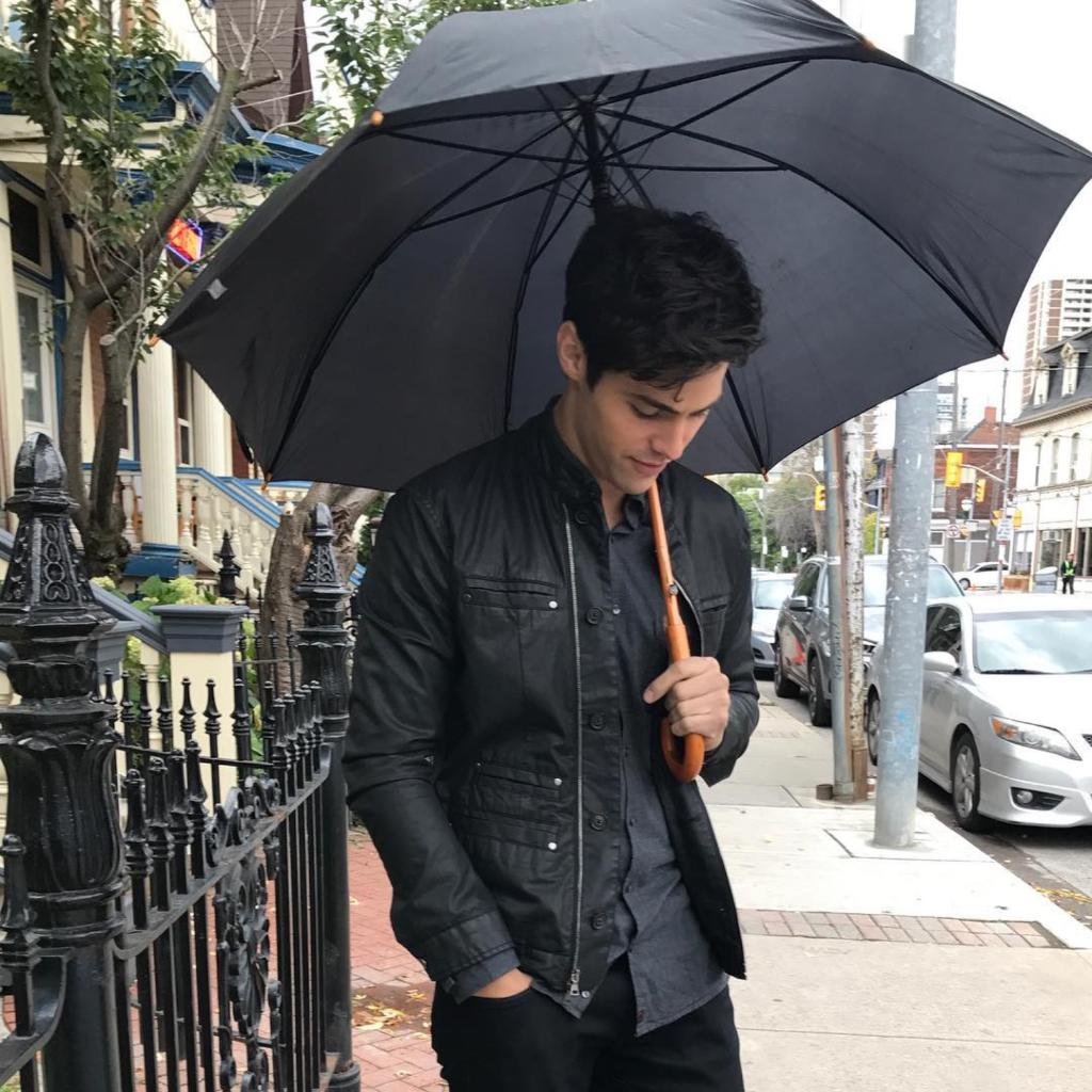 Its umbrella weather. #Shadowhunters