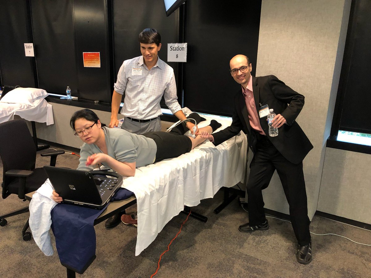 Here is how #IMPOCUS faculty [James Verner @vuon0009 @MeltiadyIssa from @_HealthPartners @UMNMedEd @MayoFacDev] nerd out #MSKUS at @SocietyHospMed MN Regional #POCUS course!! Best way to learn my knee sonoanatomy 🤣😂 (Thanks @minnakohlermd & Myma Albayda for #MSKUS mentoring)