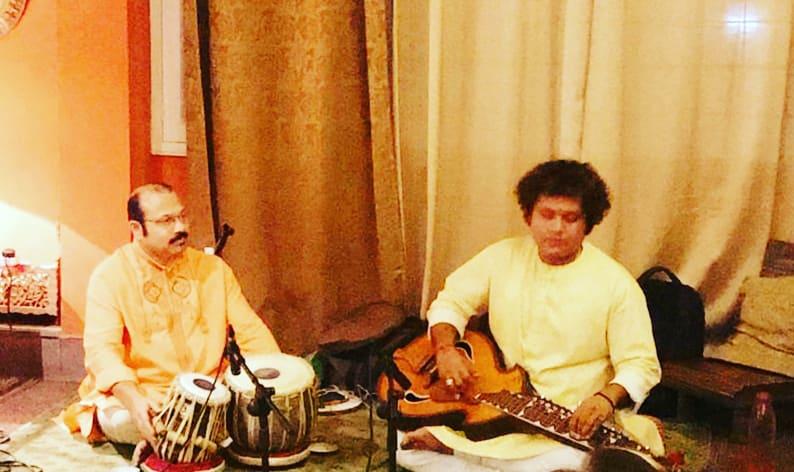 "It's all about ""An Evening with Siddha Veena "" organised by ""Delhi Diary "" .Gratitude to Pramilla Mam & Goldie Sir. Tabla accompaniment by Sri.Dipankar Das Ji. Humble #delhidairy #delhistylediary #mediahouses #versatilemedia #traditionalmedia #pressmedia #xpressmediapic.twitter.com/3WjzhUa0HY"