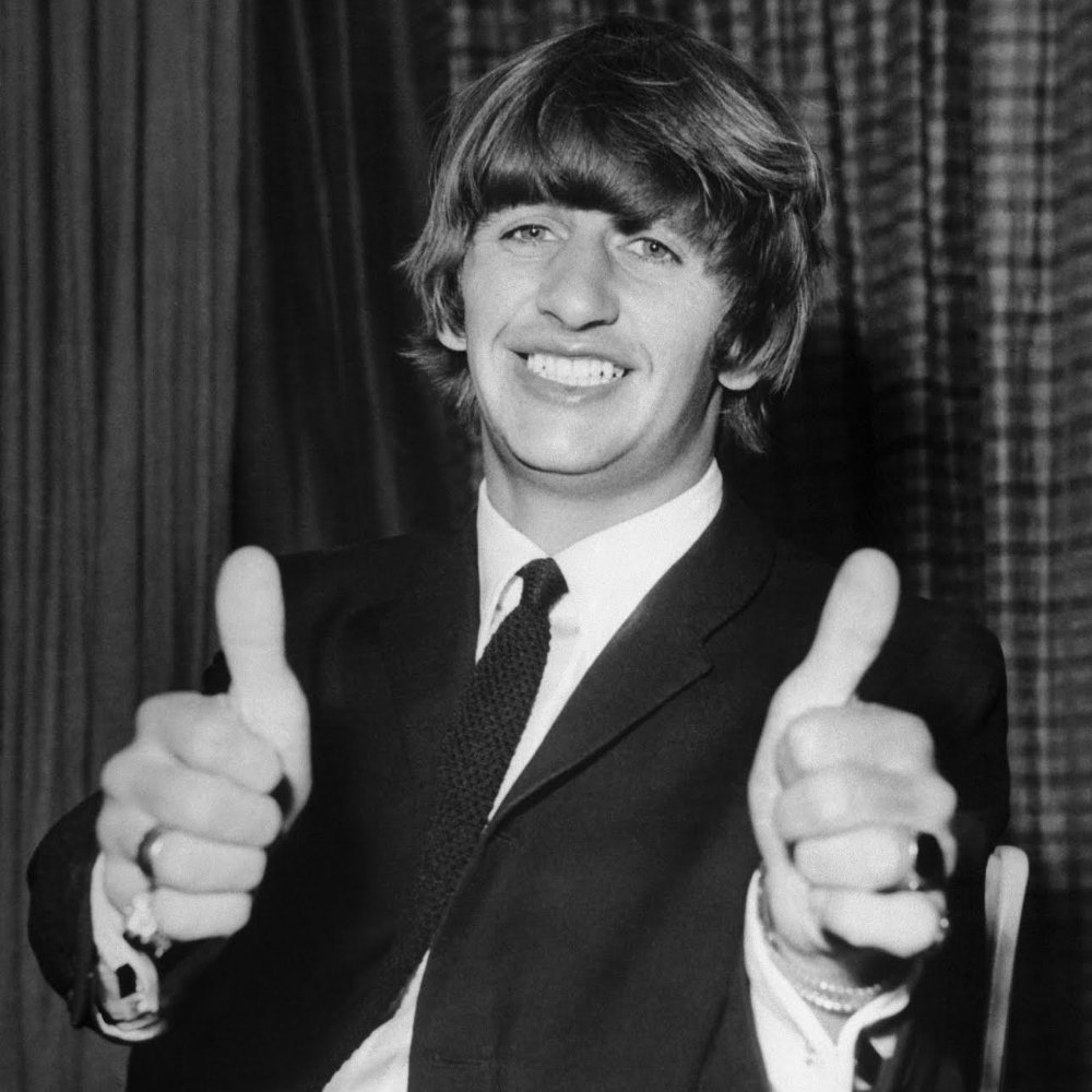 Heres whats NOW PLAYING on Beatlesarama.com (click to listen) Harrys Song Liverpool 8 by @ringostarrmusic Buy this song amazon.com/s/ref=nb_sb_no…