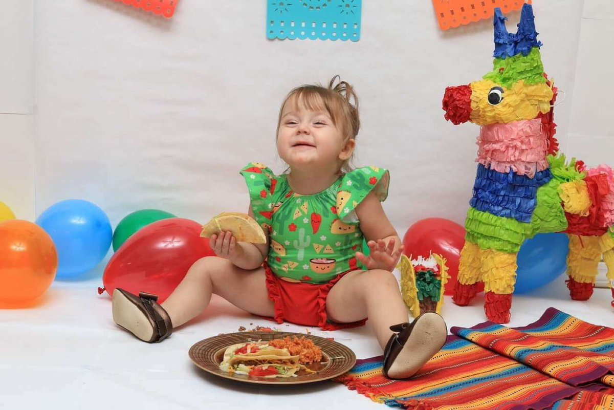 It's Taco TWOsday, also known as Evy's Birthday!!! my life changed for the better 2 years ago, and I can't imagine it any different. Can't wait to hear your laugh in a few days! #happybirthday #favoriteniece #auntiesue #myhappiness<br>http://pic.twitter.com/Tamh9ZXqhJ