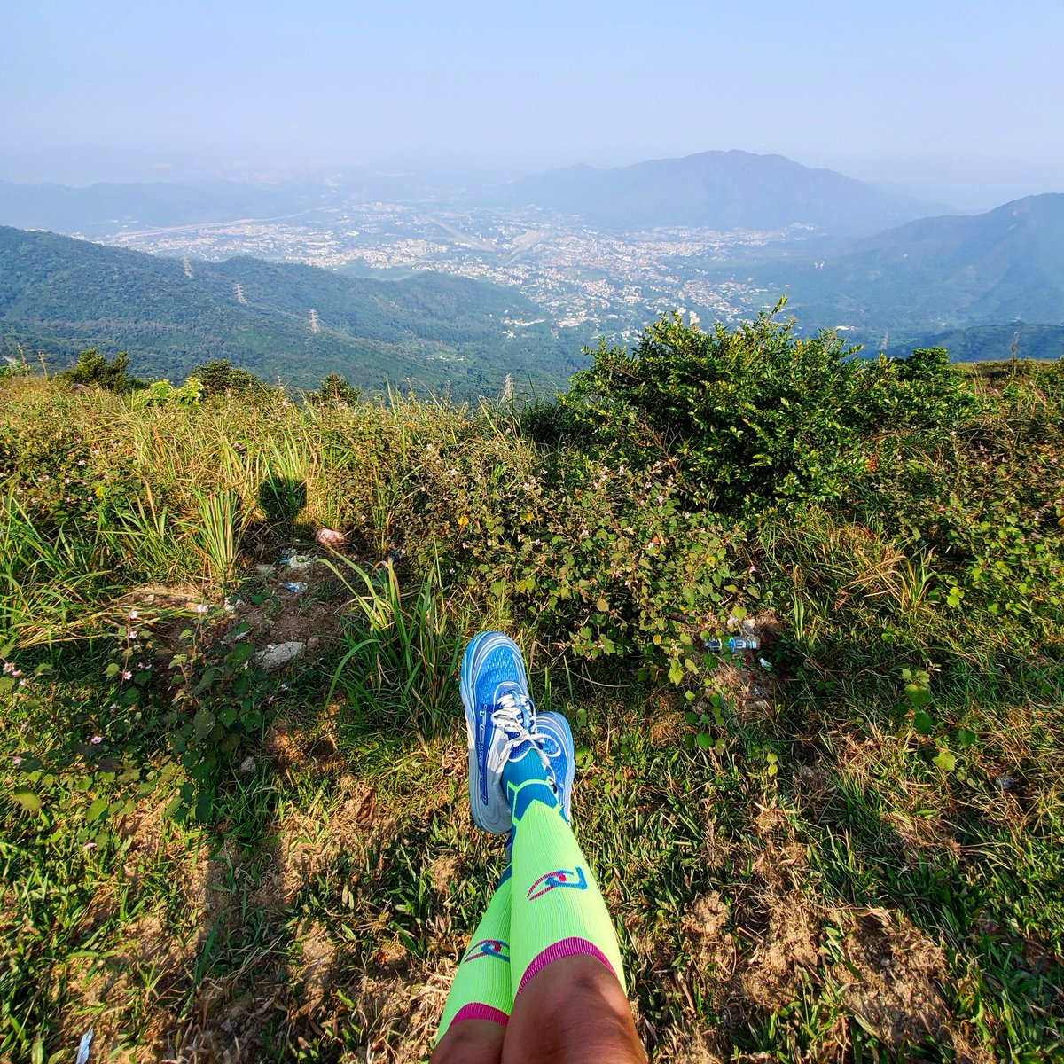 It's a beautiful day to do some hiking  at Tai Mo Shan which is the highest peak in Hong Kong with an elevation of 957m. @PROCompression #morningrun #procompressionambassador #sponsored #keepittight #taimoshan #大帽山 #hiking #hongkong #views<br>http://pic.twitter.com/kSyKVVHqPD