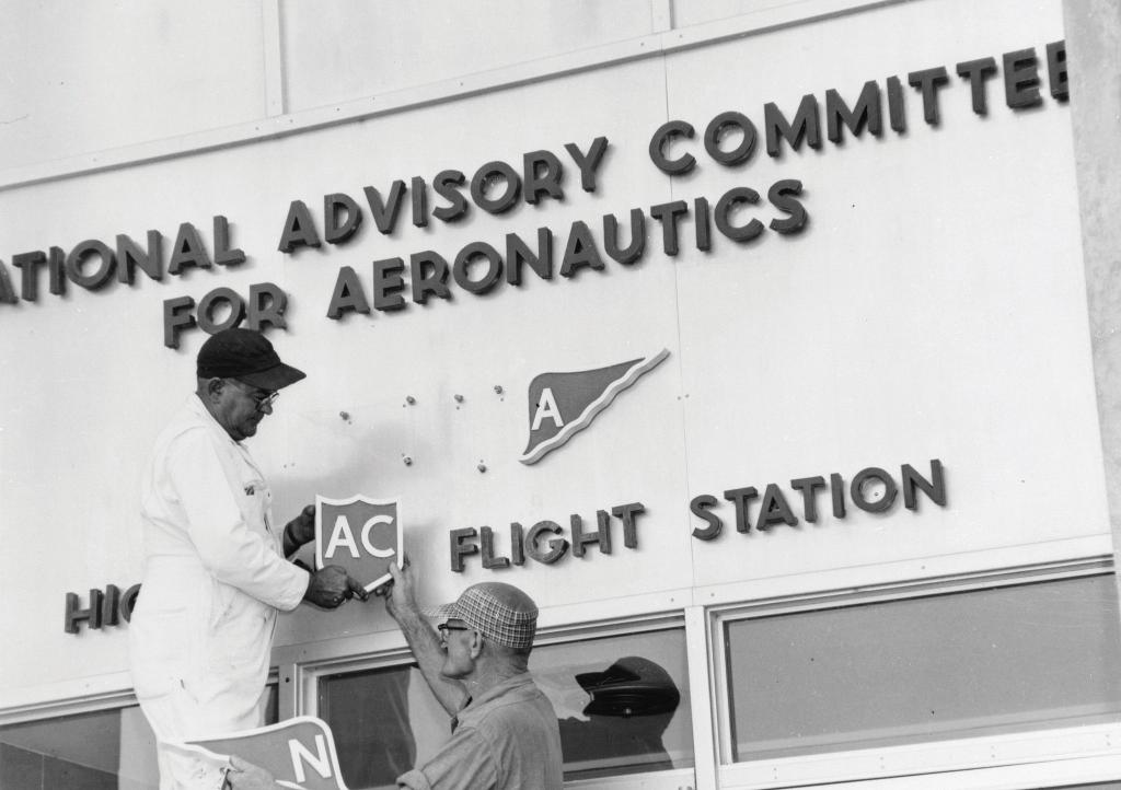 Sec. 202. (a) There is hereby established the National Aeronautics and Space Administration- National Aeronautics and Space Act of 1958 Did you know that today is @NASAs birthday? Happy Birthday to us! 🎉🎉🎉 #OTD in 1958, NASA opened for business. history.nasa.gov/monograph10/na…