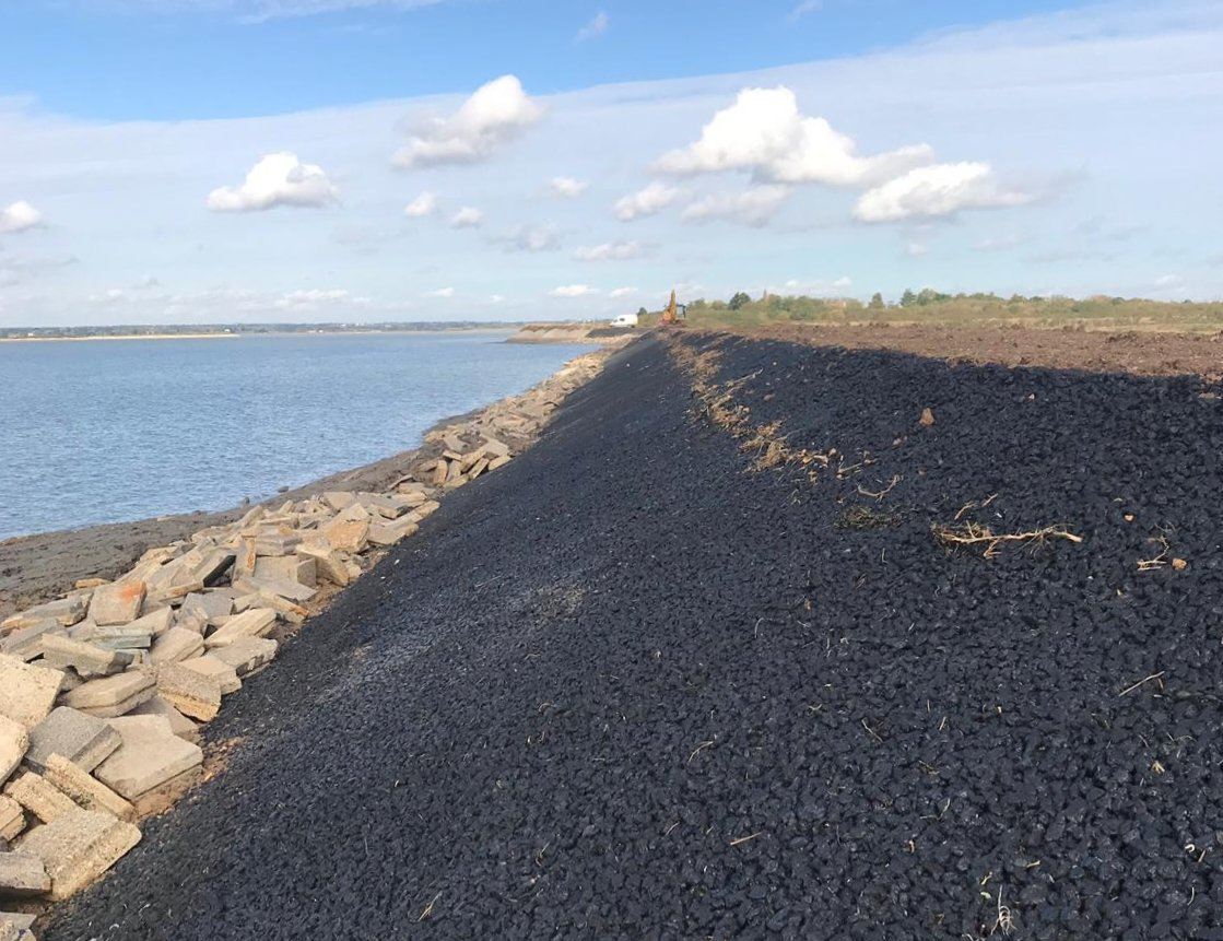 Revement work completed on the Stansgate Seawall project on the River Blackwater for @jnbentley and @EnvAgencyAnglia https://t.co/zmdvhJTFYo