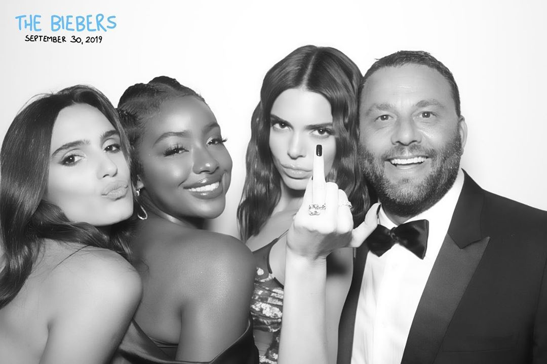 @davegrutman vía Instagram: Best Belieb It. Our Girl Is Married #bieberswedding #kendalljenner #justineskye #davegrutman #isabelagrutman