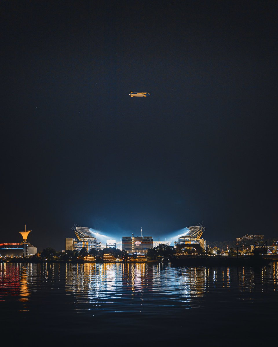 Thanks for the photobomb @GoodyearBlimp 😅 #CINvsPIT #MNF
