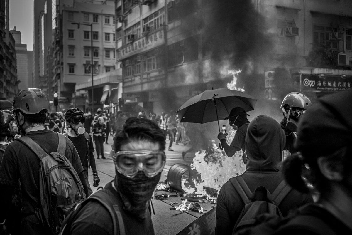 #homgkong tonight. Copyright @DavidButow more @reduxpictures #hingkongprotestspic.twitter.com/2zN9WzFKeQ