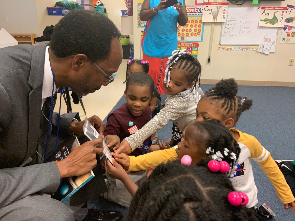 Its never too early to inspire the next generation of explorers and innovators. Today, NASA Langley center director Clayton Turner read books about space and aeronautics to three and four-year-olds at a local daycare. Learn more about #STEM engagement→go.nasa.gov/2p2DpJq
