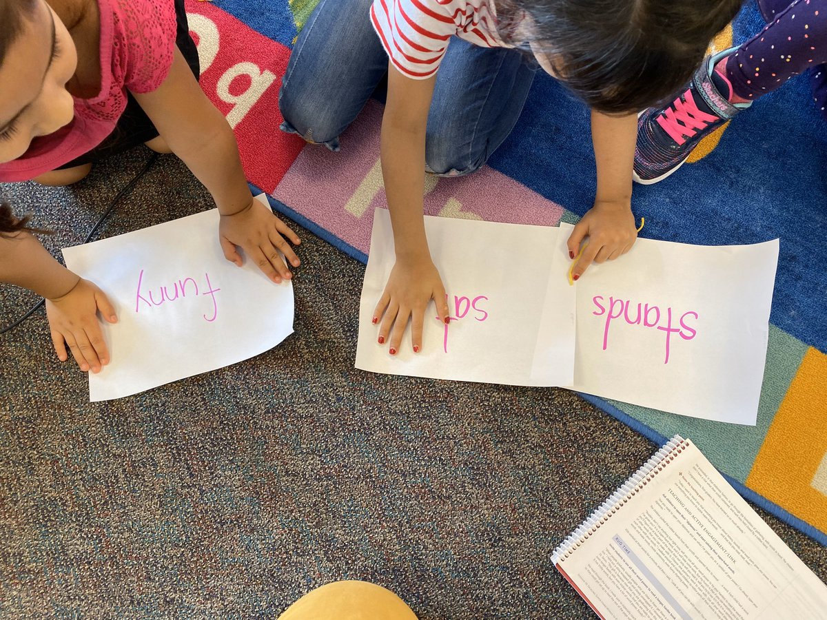 Our Phonics Celebration included scrolls with a word for each student to use all they know to read PLUS a new book to read with their partner. The students were so excited!  <a target='_blank' href='http://search.twitter.com/search?q=hfbtweets'><a target='_blank' href='https://twitter.com/hashtag/hfbtweets?src=hash'>#hfbtweets</a></a> <a target='_blank' href='http://twitter.com/APSLiteracy'>@APSLiteracy</a> <a target='_blank' href='https://t.co/GOTscX26dd'>https://t.co/GOTscX26dd</a>