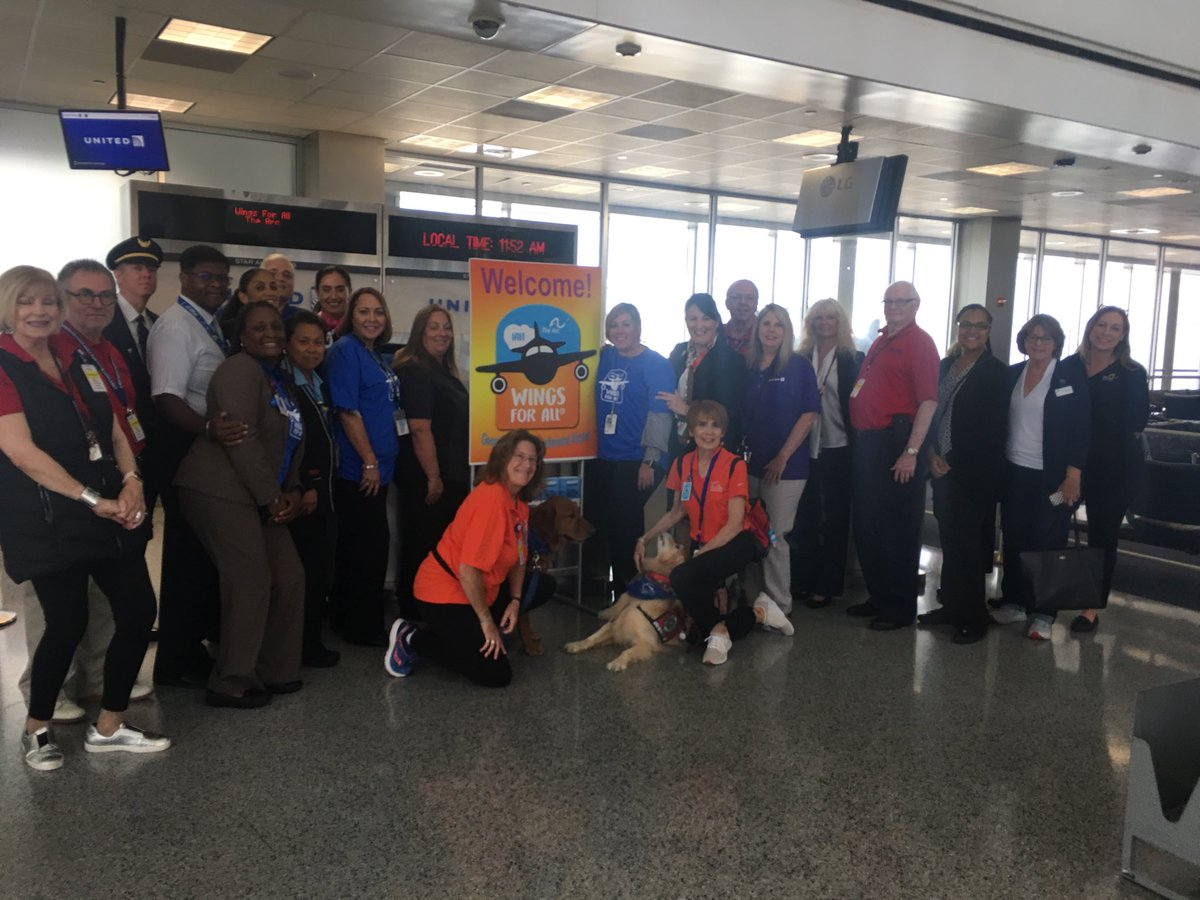 Great event to help some customers get comfortable with travel! Thanks to all volunteers for coordinating this! @weareunited @rodney20148 #iah #wingsforall #thearc #teamawesome