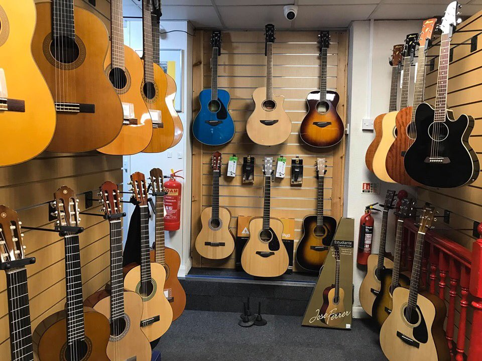We now stock even more guitars! Which one is your favourite? #NewGuitars #ShadesMusic #Moseleypic.twitter.com/ot5uAjiK14